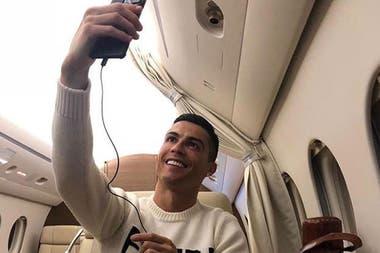 El Tuit De Cristiano Ronaldo Arriba De Su Avión Privado Que Despertó