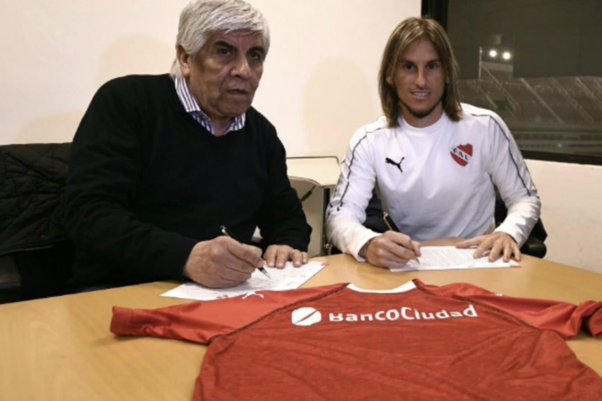 """Asumió Beccacece en Independiente: las tres figuras que quiere y cómo """"enamorar"""" al hincha"""