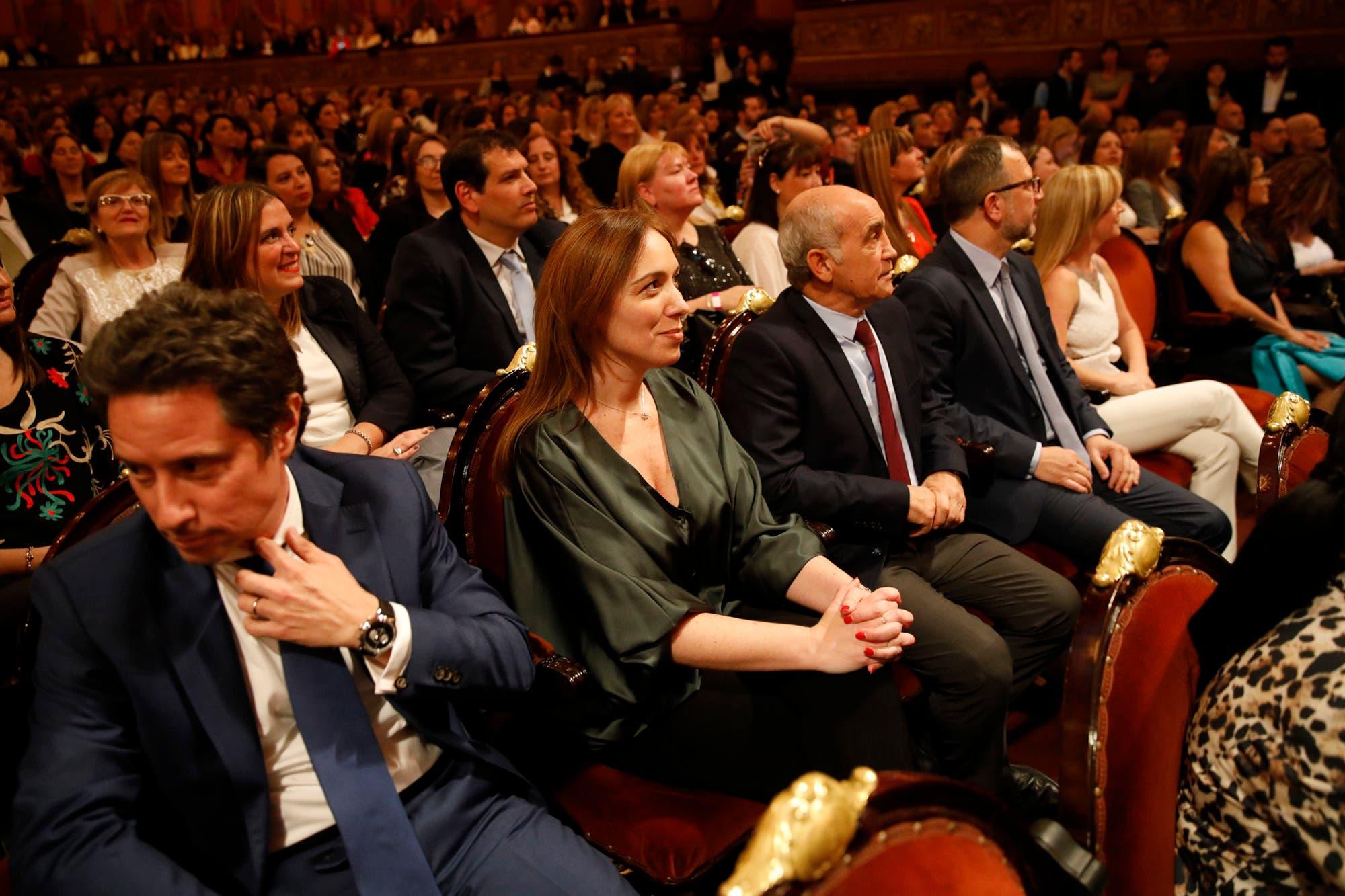 Vidal esquivó la reunión de la mesa política de Macri y se mostró con docentes