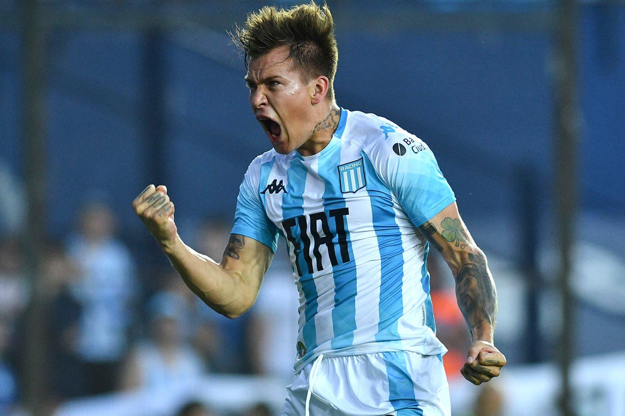 Racing-Huracán, Superliga: Nicolás Reniero puso la cabeza y la Academia ganó 1-0