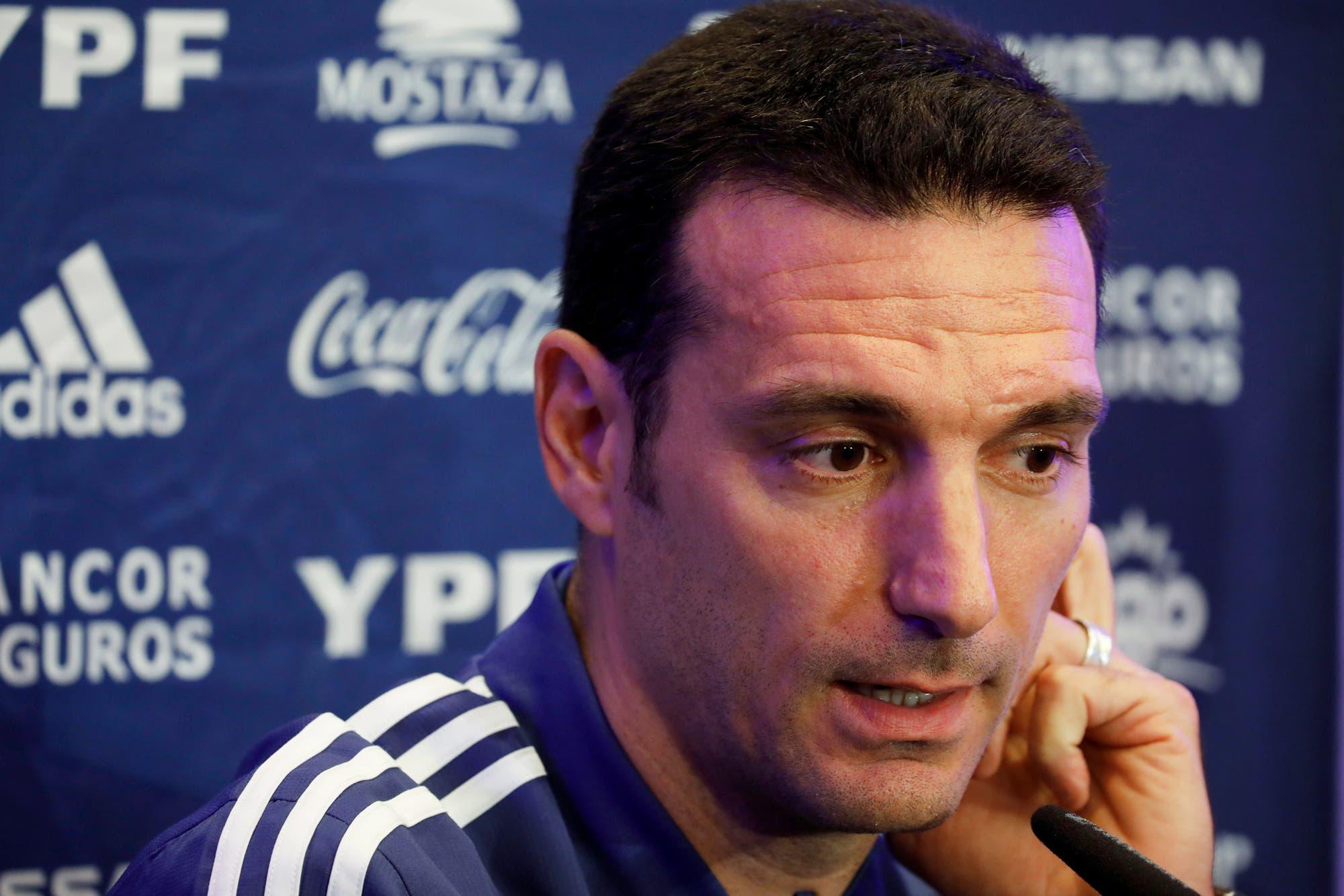 Lionel Scaloni confirmó a Messi-Agüero y se declaró admirador de Uruguay