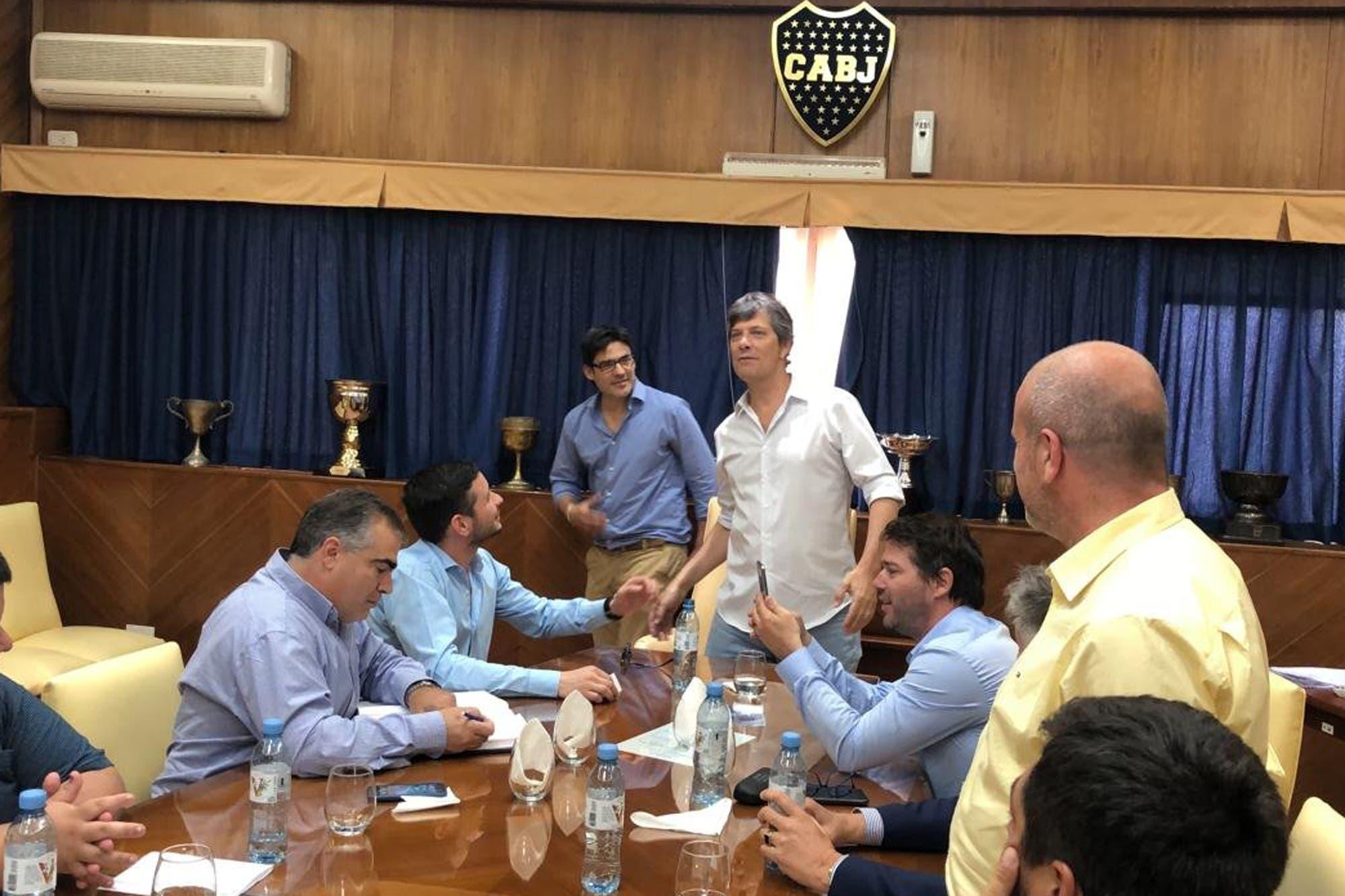 Sin Ameal, pero con Pergolini, asumió la nueva comisión directiva de Boca