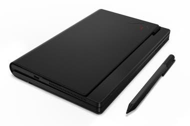 Cerrada, la Lenovo ThinkPad X1 Fold parece una libreta; las tapas esconden una pantalla flexible de 13,3 pulgadas