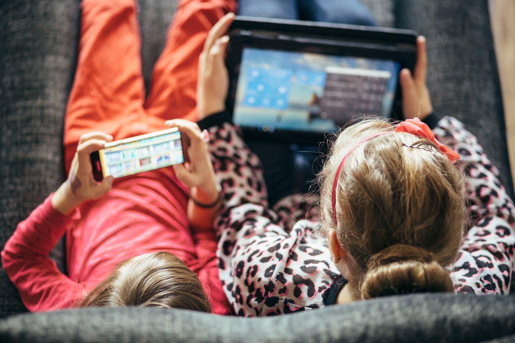 Recursos digitales para acompañar y cuidar a los chicos en el uso de la tecnología durante la cuarentena