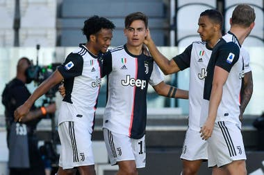 Cumplió el partido de suspensión por acumulación de tarjetas amarillas y Paulo Dybala vuelve a ser titular en Juventus, que será local contra Atalanta, en un atractivo encuentro.