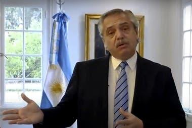 Fernández hizo un anuncio unipersonal de las medidas sanitarias