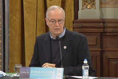 """El ministro de Salud, Daniel Gollán, dijo que si se cometen errores la situación puede volverse """"incontrolable"""""""