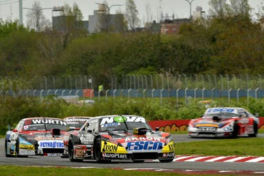 Desde 1988 que Dodge no lograba encadenar tres triunfos: Nicolás Trosset y Valentín Aguirre, en dos ocasiones, repitieron el logro de Juan De Benedictis, Oscar Castellano y José María Romero