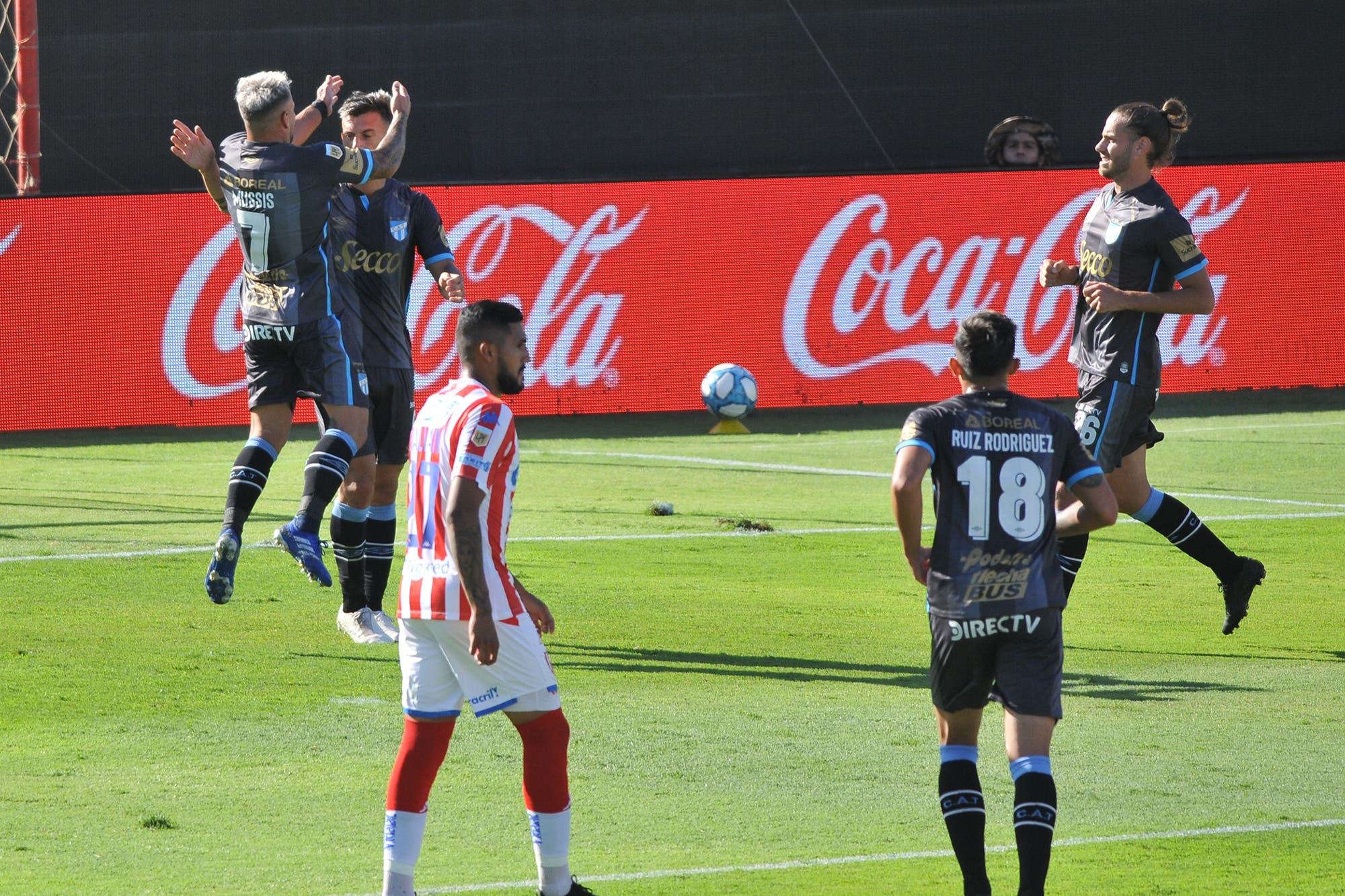 Unión perdió 5-3 con Atlético Tucumán, el imbatible, y se conformará con la zona Complementación de la Copa Diego Maradona
