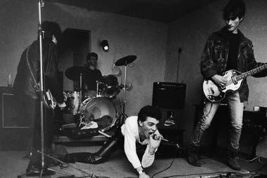 Sexo, drogas y salvajismo rockero: Rocanrol Cowboys cuenta la historia de un grupo que surgió en Villa Devoto y que llegó tan lejos como los sueños que tenía en esos inicios